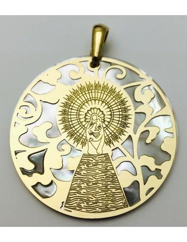 Medalla Virgen Pilar en Plata de Ley con baño de oro y nácar. 40mm