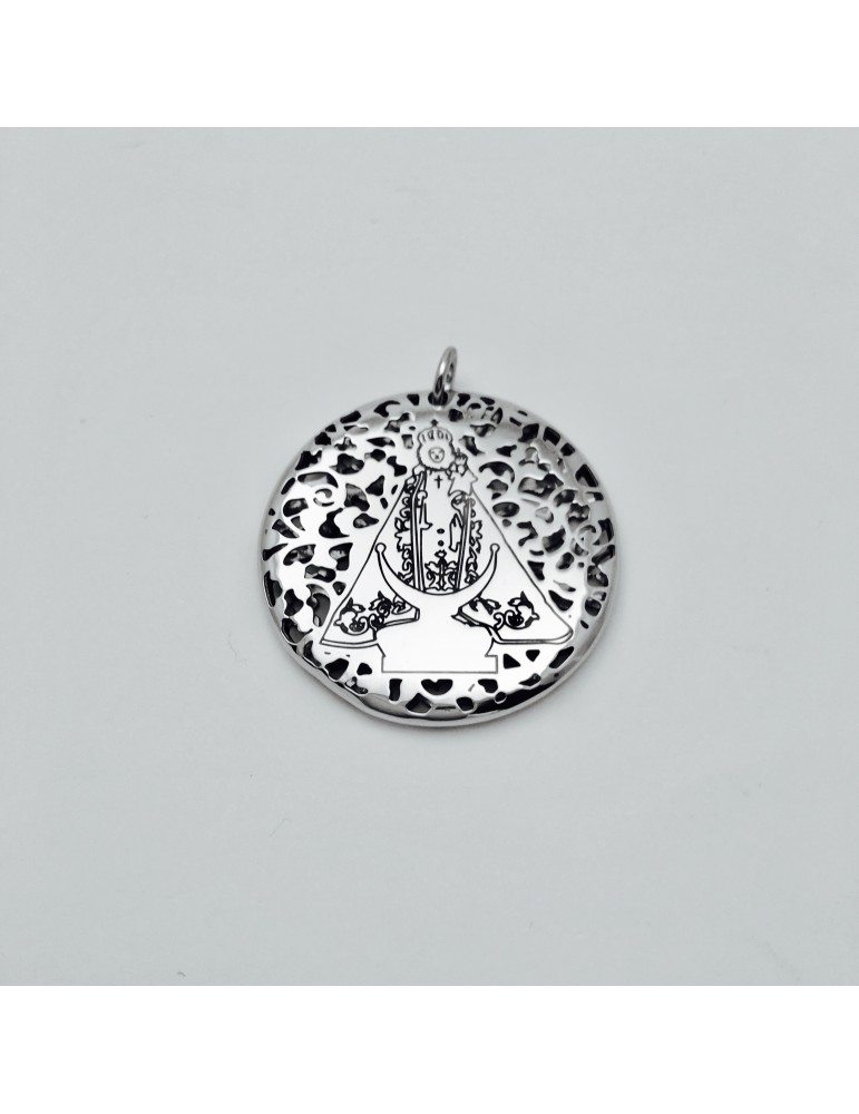 Medalla Virgen Fuensanta en Plata de Ley . 30mm